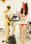 Sweaty training in latex for dirty female subject