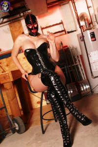 Petra in black and red rubber